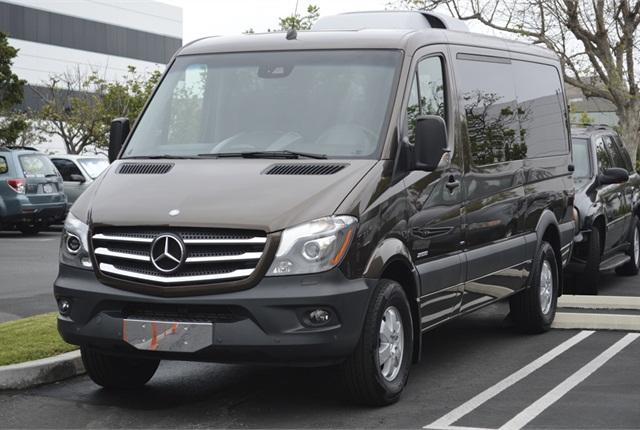 Mercedes benz gives details on 2015 sprinter compact van for 2014 mercedes benz sprinter cargo van