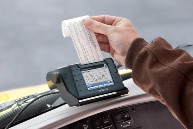 Printing is one of several ways e-logs can be presented to enforcement officials during roadside inspections. Photo: Continental VDO