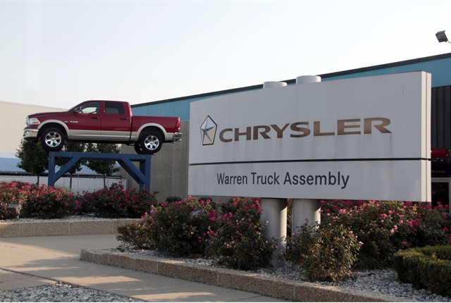 2018 chrysler fleet guide.  chrysler photo of warren truck assembly in michgan that produces the ram 1500 quad  and crew cabs with 2018 chrysler fleet guide
