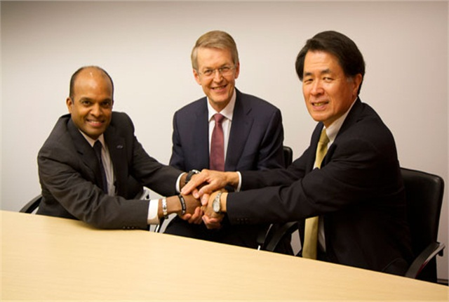 <p>(L-R) Raj Nair, Group Vice President, Global Product Development, Ford Motor Company, Prof. Thomas Weber, Member of the Board of Management of Daimler AG, Group Research & Mercedes-Benz Cars Development and Mitsuhiko Yamashita, Member of the Board of Directors and Executive Vice President of Nissan Motor Co., Ltd., supervising Research and Development. Photo courtesy Ford Motor Co.</p>