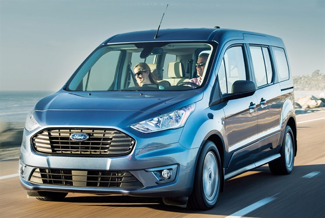 ford launches third gen 2019 transit connect wagon top. Black Bedroom Furniture Sets. Home Design Ideas