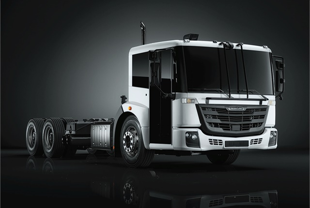 Thetruck will be available to start ordering in the summer of 2018. Cab configurations for the EconicSD in 6x4, high cab and low cab, and rear and side loader configurations will be available. (Photo courtesy of Freightliner)