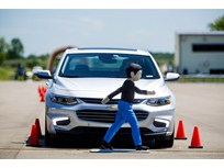 GM Expands Safety Tech in 2016 Models