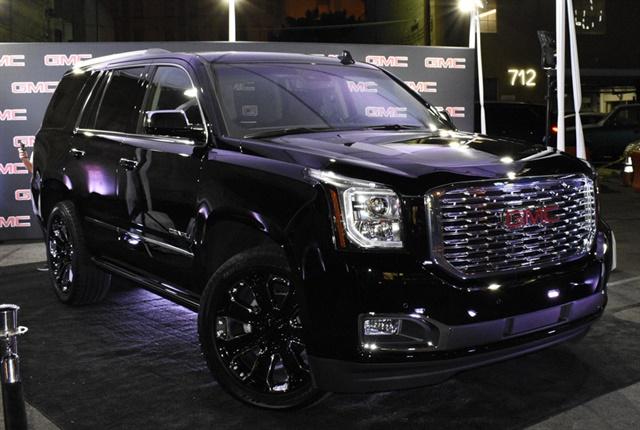 Gmc Blacks Out Yukon Denali For 2018 News Automotive Fleet