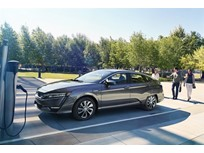 Honda Begins Leasing Clarity Electric
