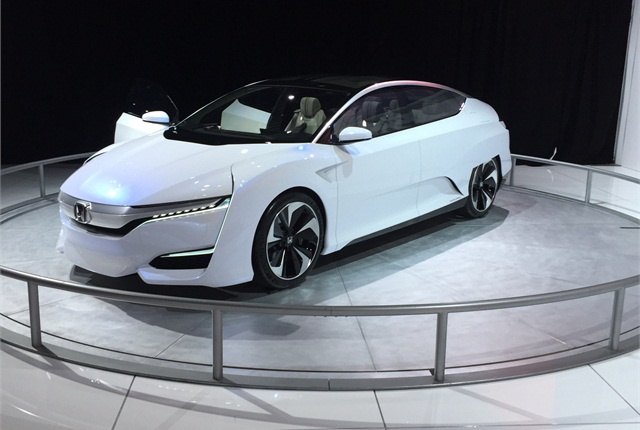 Photo of Honda FCV by Mike Antich.