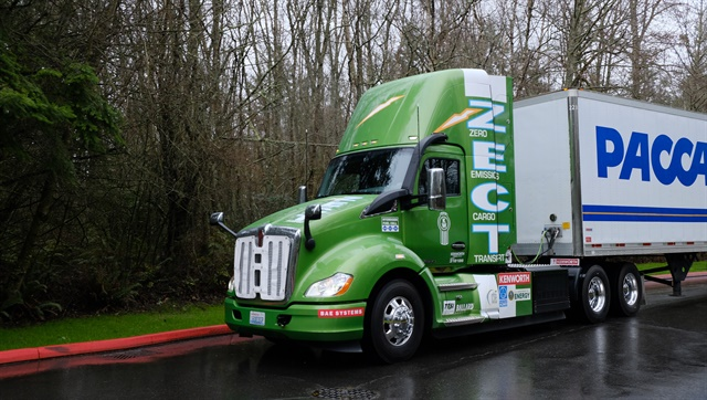 Kenworth's Zero Emissions Cargo Transport heavy-duty truck can haul 80,000 lb at 30-50 mph a distance of 30-50 miles; an ideal setup for port drayage service. Photo: Jim Park