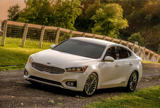 Photo of 2017 Cadenza courtesy of Kia Motors.