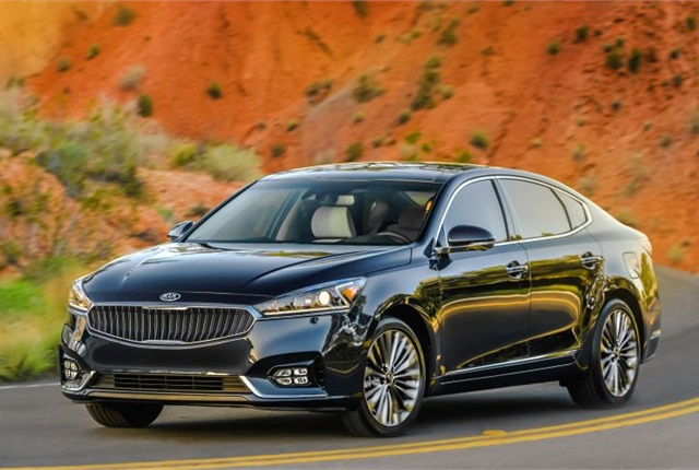 Photo of 2017 Cadenza courtesy of Kia.