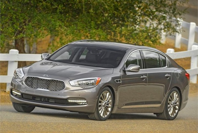 Photo of 2016 K900 courtesy of Kia.