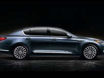 Kia Debuts K900 Luxury Sedan at L.A. Auto Show
