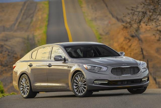 Photo of Kia K900 courtesy of Kia Motors.
