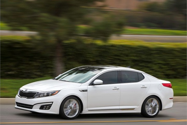 Photo of 2015 Optima courtesy of Kia.