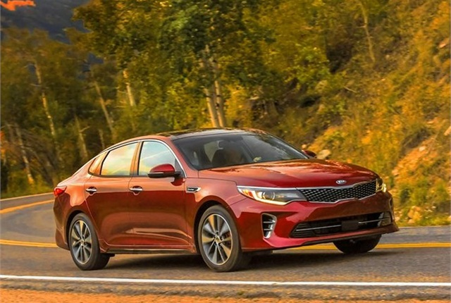 Photo of 2016 Optima courtesy of Kia Motors.