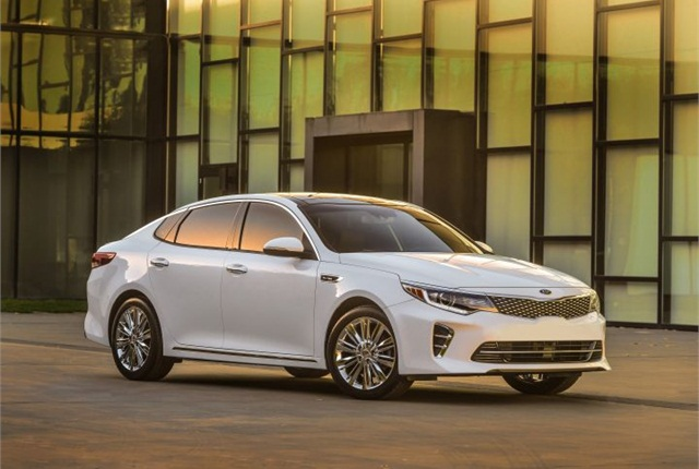 Photo of 2016 Optima SXL courtesy of Kia.