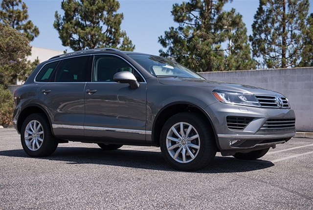Photo of the 2016 Volkswagen Touareg.