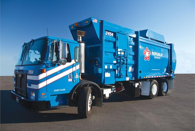 New fleet of Republic Services CNG trucks arrives in Houston.