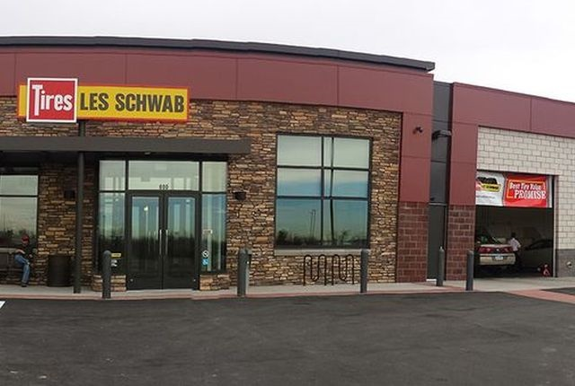 Photo of Les Schwab Tire Center in Thornton, Col., via Les Schwab.