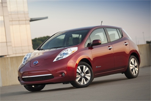 Photo of Nissan LEAF courtesy of Nissan.
