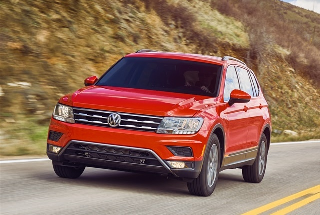 The 2018 Volkswagen Tiguan features available 4MOTION all-whee; drive, Snow Mode, On-Road Mode, Off-Road Mode, and Off-Road Custom. Photo courtesy of Volkswagen.