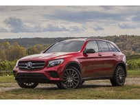 Mercedes Recalls 2018 SUVs for Air Bags