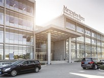 Mercedes-Benz Opens R&D Plant in China