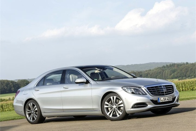Photo of S550 plug-in hybrid courtesy of MBUSA.