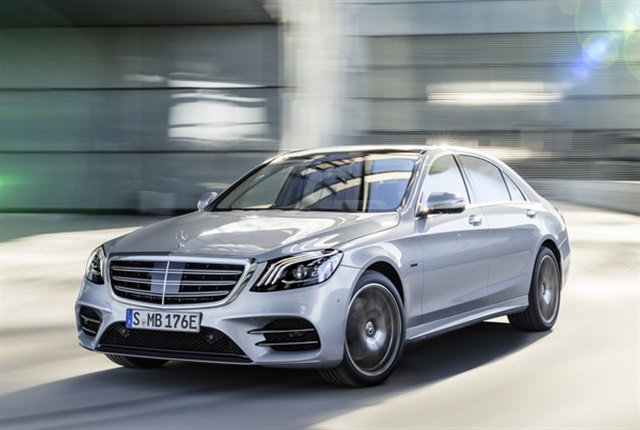 Photo of 2019 S560e courtesy of Mercedes-Benz.