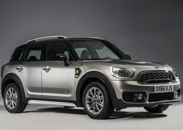 Photo of 2017 Countryman PHEV courtesy of MINI USA.