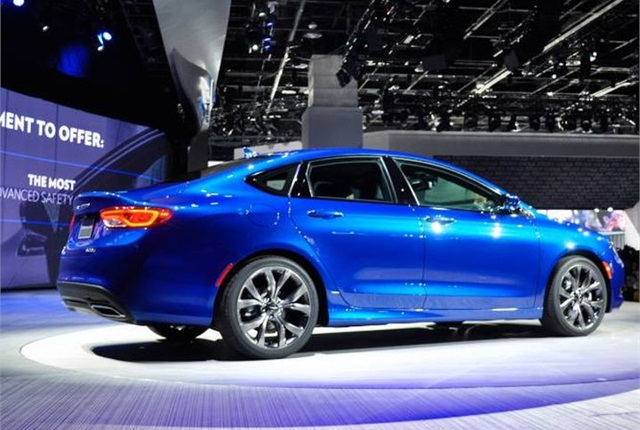 Photo of 2015 Chrysler 200 via NAIAS.