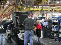 Navistar Details Medium-Duty Deal with GM