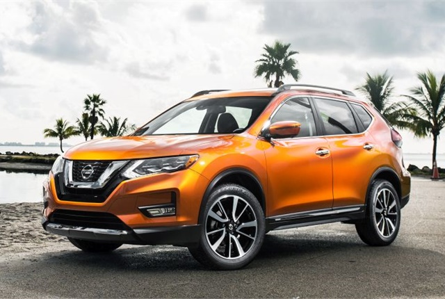 Photo of the 2017 Rogue SL courtesy of Nissan.