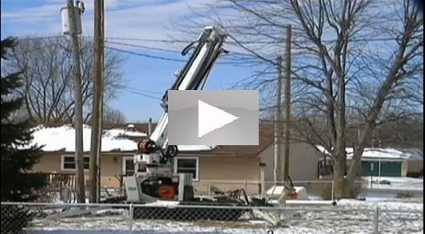 Video Ohio Edison Worker Thrown From Bucket Truck Top