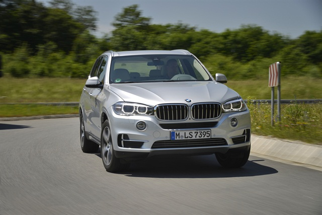 Photo of the 2016 X5 xDrive40e courtesy of BMW.