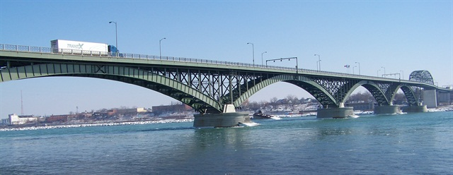 A New York proposal to dissolve the Peace Bridge Authority leaves any planned infrastructure improvements at Canada's second largest border is up in the air. (Photo by Óðinn via Wikimedia Commons)