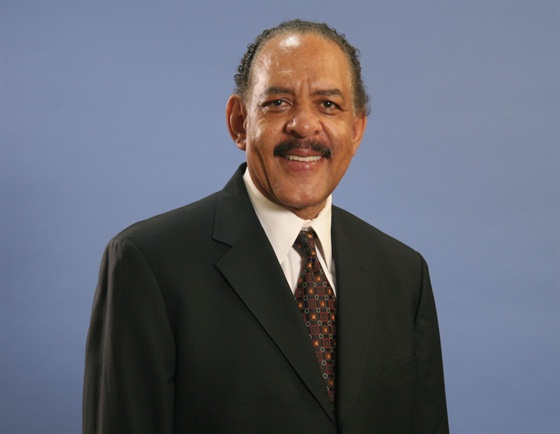Gary Perry, Fleet & Commercial East Region director for GM, is retiring, effective Sept. 1, 2013. Photo courtesy GM.