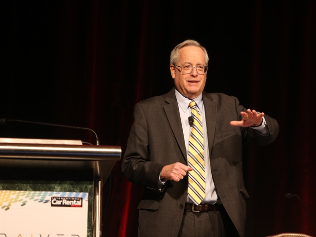 Political pundit Stu Rothenberg addresses the ACRA General Meeting at the International Car Rental Show. Photo: Steve Reed.