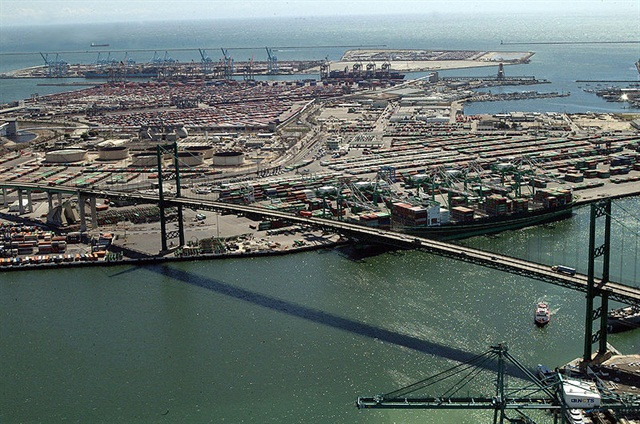 Port of Los Angeles. Credit: Wikimedia Commons.