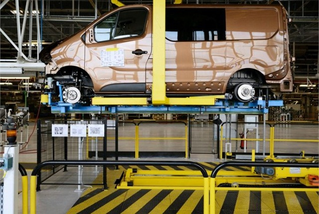 Photo of Trafic assembly in Sandouville courtesy of Renault.