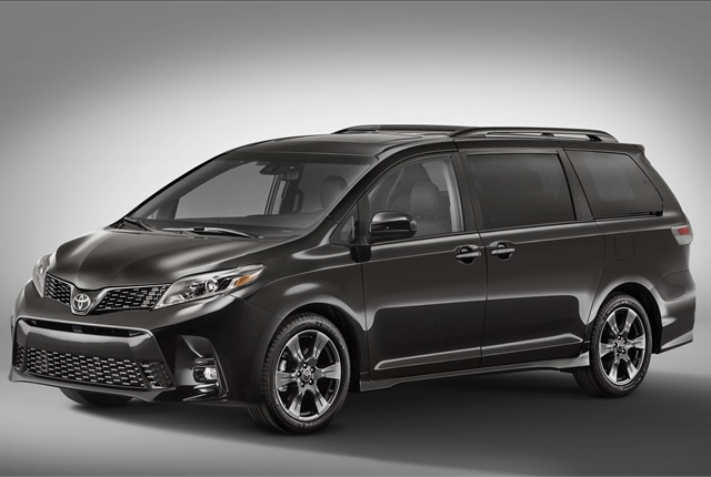 Photo of 2018 Toyota Sienna Limited courtesy of Toyota.