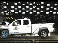 Video: Silverado and Sierra 1500 Trucks Ace NHTSA Crash Tests