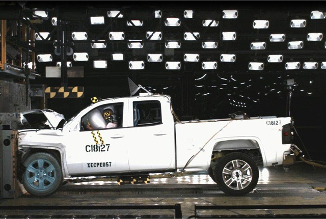 Despite more rigorous crash testing by NHTSA, the Silverado 1500 and Sierra 1500 emerged with a 5-Star vehicle safety score. Photo copyright: GM.
