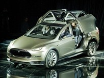 Tesla Delays Model X Luxury SUV