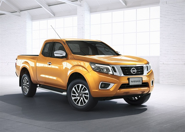 Nissan and Daimler have announced they will design a 1-ton pickup for Mercedes-Benz, which will share some architecture with Nissan's NP300 (shown), which was introduced in Thailand in 2014.