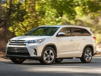 Toyota's 2017 Highlander Adds Power, Safety Features