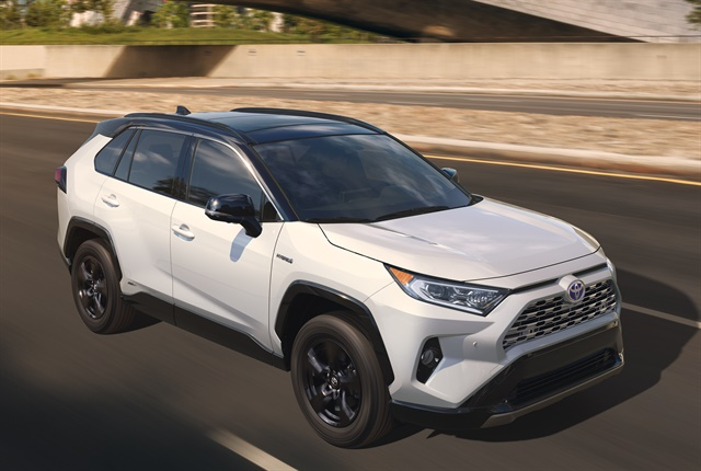 toyota 39 s 2019 rav4 adds power hybrid trim news automotive fleet. Black Bedroom Furniture Sets. Home Design Ideas