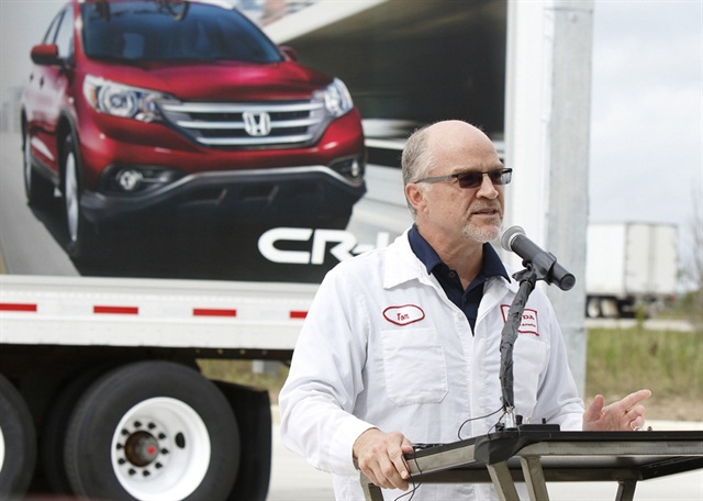 Honda of America Executive Vice President and CEO Tom Shoup speaks at the opening of the company's CNG fueling station in Marysville, Ohio. Photo courtesy of Honda.