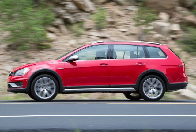 Photo of the 2017 Golf Alltrack courtesy of VW.
