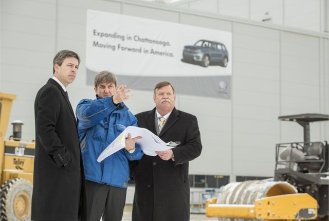 From left to right: Chattanooga Mayor Andy Berke, Volkswagen Chattanooga CEO and President Christian Koch, Hamilton County Mayor Jim Coppinger