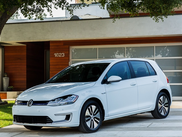 Photo of 2017 e-Golf courtesy of Volkswagen.